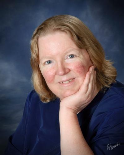 Lynn Hallbrooks posing